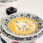 Crema para  el  otoño; de calabaza,nabos, huevo escalfado y gorgonzola.