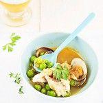 Sopa de guisantes con chirlas y pescado
