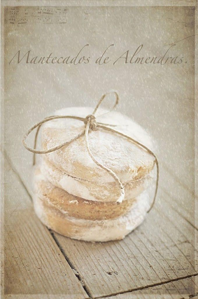 Bolas de lana y Mantecados de Almendras nevados.