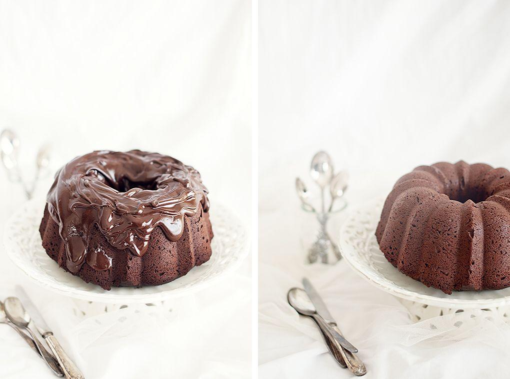Bizcocho de chocolate con cobertura