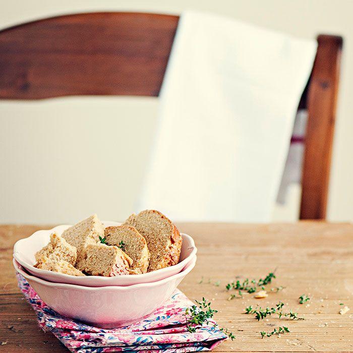 Pan de molde con curry y semillas de sésamo