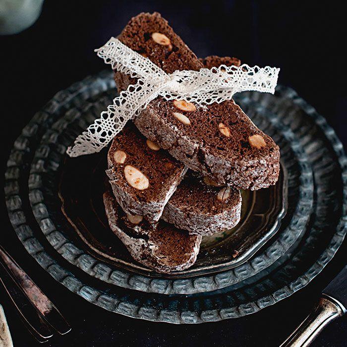 Biscotti con chocolate y almendras